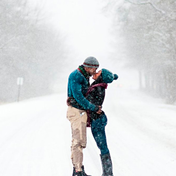 Jonas-storm-engagement-photo-in-winter-storm-kiss-0116_sq