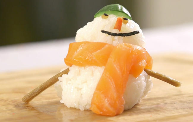 Ditch-the-ham-this-christmas-for-diy-holiday-themed-sushi-1000x636