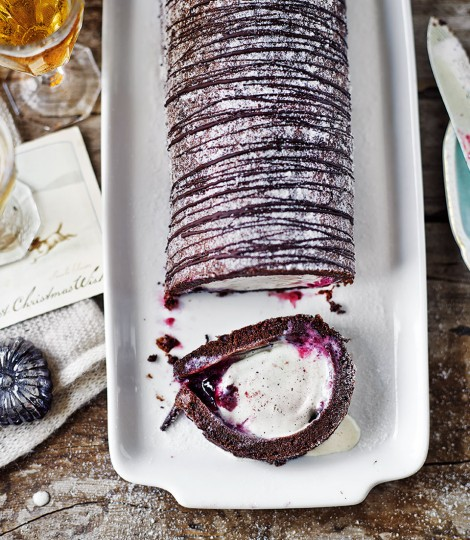 726489-1-eng-gb_chocolate-arctic-roll-470x540