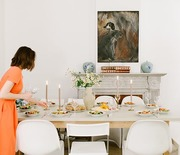 Thumb_hostess_setting_table