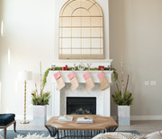 Thumb_merry-christmas-mantel-decorations-1_sq