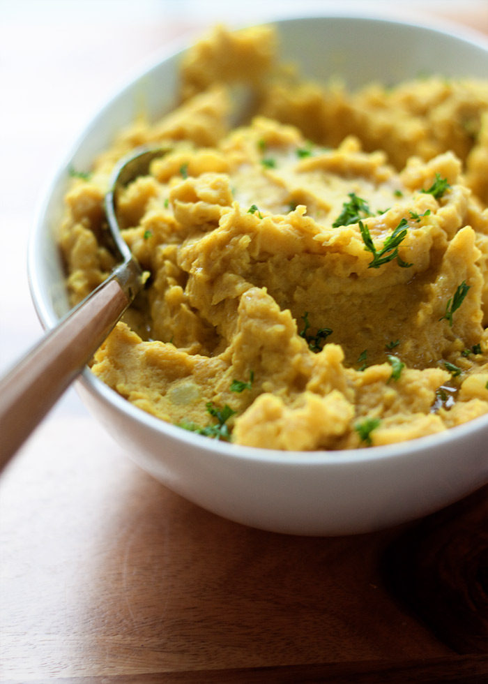 Turmeric-mashed-potatoes5-700x980