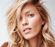 Thumb_anja-rubik-hair-4
