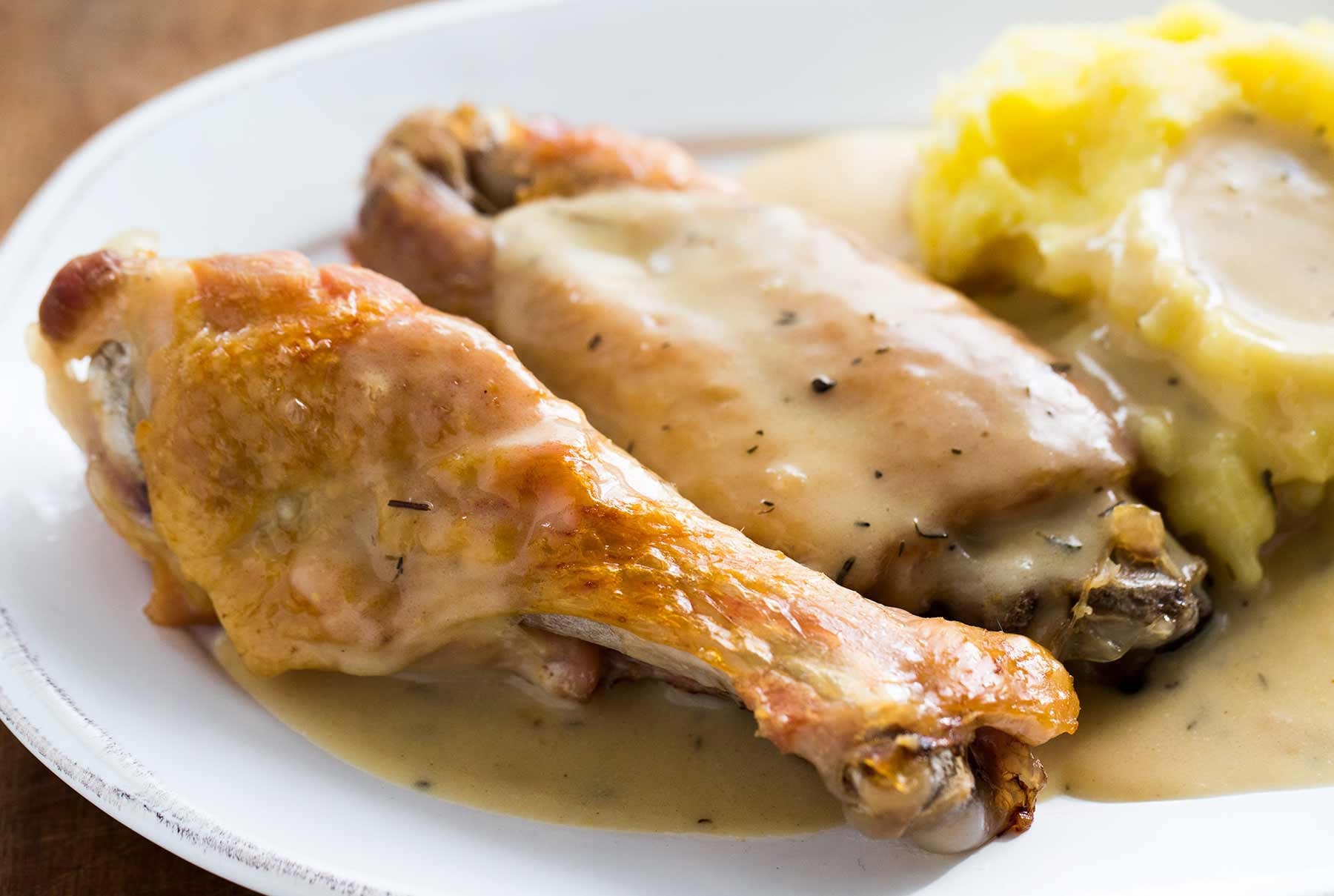 Smothered-turkey-wings-horiz-a2-18001