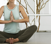 Thumb_woman-meditating-hands