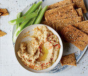 Thumb_eves-hummus-crackers-scratch