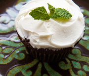 Thumb_chocolate-mint-cupcake-vertical-closeup-600