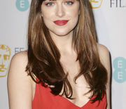 Thumb_elle-bangs-rdakota-johnson