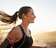 Thumb_happy-woman-running-main-1000