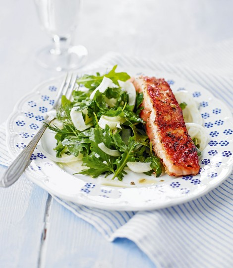 594612-1-eng-gb_salmon-with-crunchy-quick-pickled-fennel-salad-470x540
