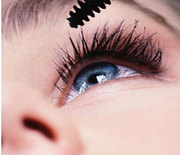 Thumb_applying-mascara-closeup-400x400