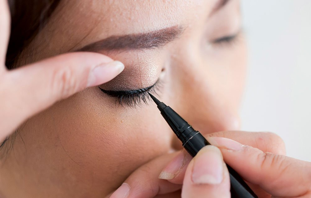 1-eyeliner-causes-sties4