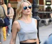 Thumb_kate_hudson_abs
