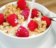 Thumb_abdiet_cereal-rasp-milk_ss