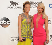 Thumb_carrie_underwood_miranda_lambert_1
