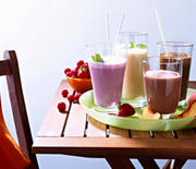 Thumb_opening-smoothies-1-ss