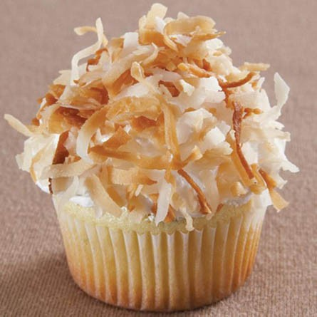 Lime-cupcakes-with-coconut-fluff-icing