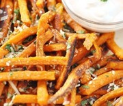Thumb_baked-sweet-potato-french-fries-with-parmesan-cilantro-and-skinny-sriracha-dip-332x500