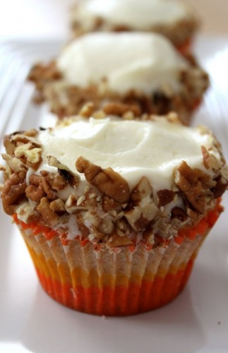 Carrot-cupcakes-with-cream-cheese-frosting-323x500