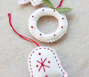Thumb_felt-holiday-ornaments