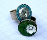 Thumb_how-to-make-embellished-resin-rings-500x427