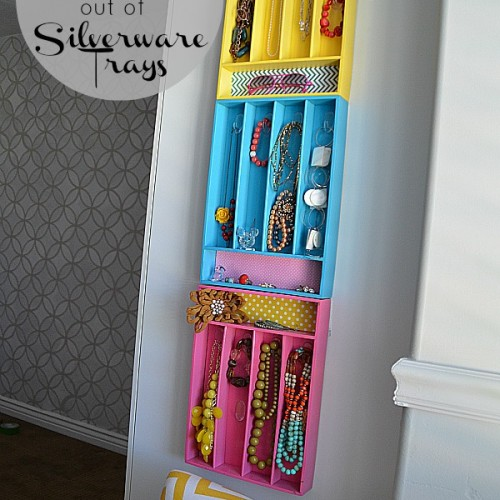 Colorful-jewelry-organizers-from-silverware-trays-500x500