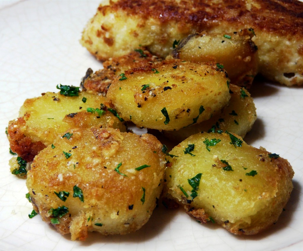 Roasted-potatoes-with-garlic-and-parmesan-cheese-1024x848