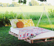 Thumb_diy-pallet-swing-bed-the-merrythought