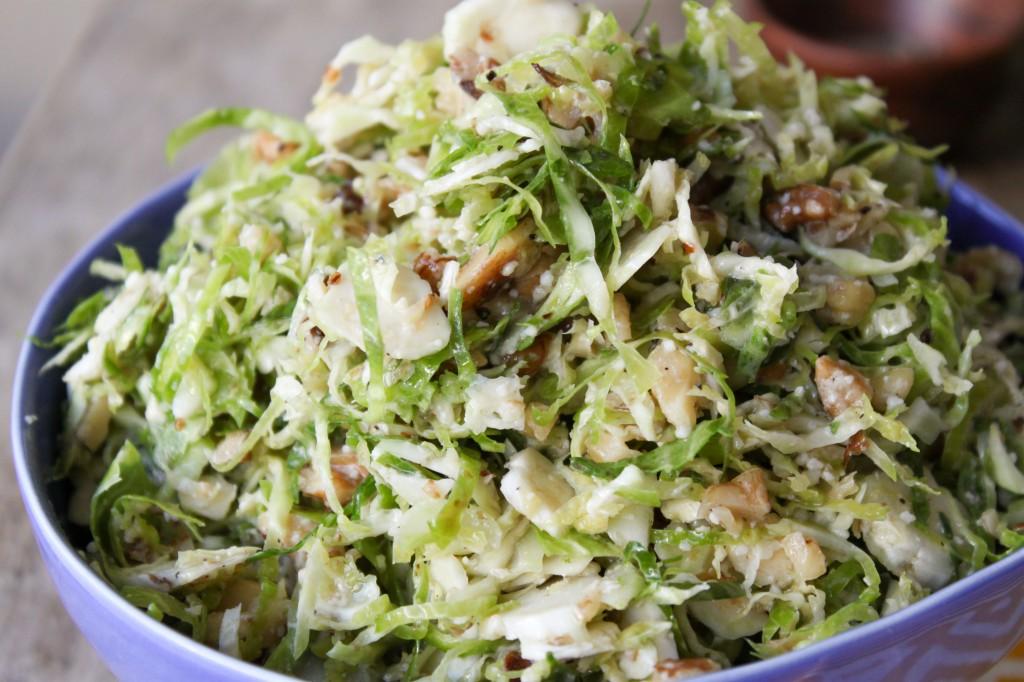 как готовить салат из брюссельской капусты