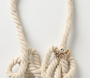 Thumb_rope_necklace1