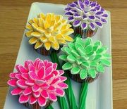 Thumb_marshmallow-flower-cupcakes