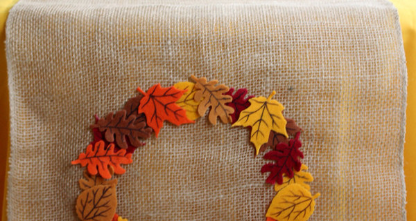 Carousel_diy-table-runner-fall-thanksgiving-crafts-unleashed-1-667x1000