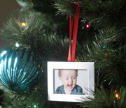 Thumb_diy-christmas-photo-ornaments-mini-frames-dollar-store-diy-easy-how-to-make-christmas-tree-6