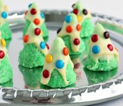 Thumb_no-bake-christmas-tree-cookies-www.thereciperebel.com-1-610x915