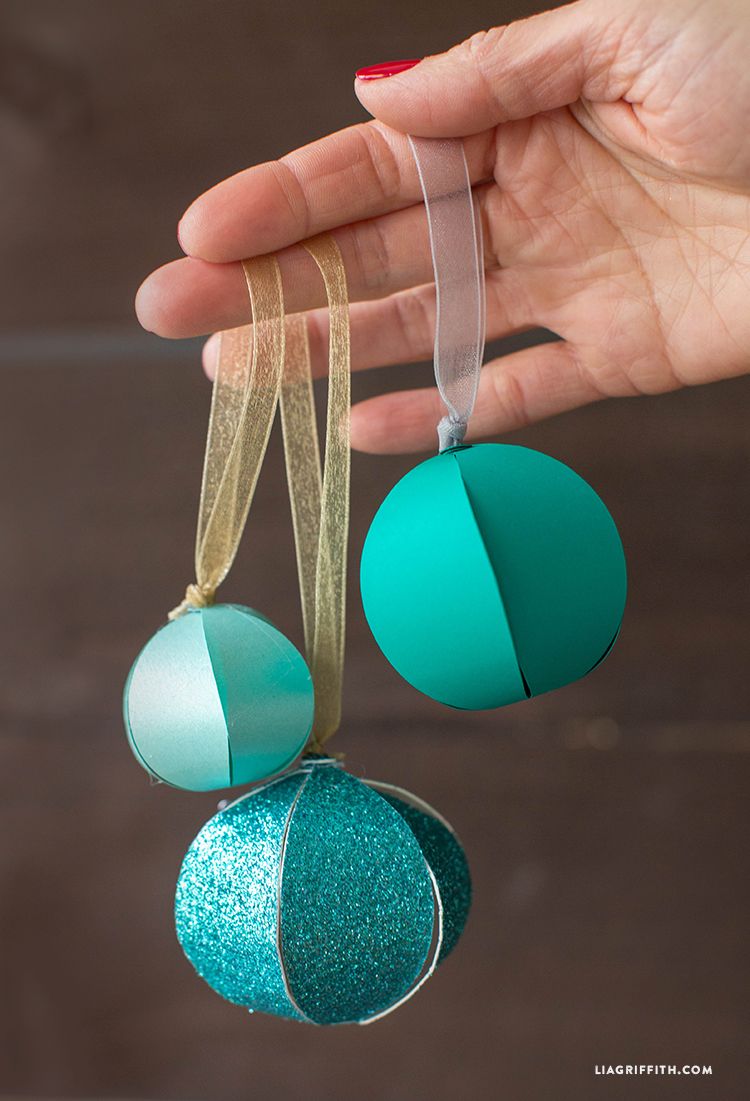 Christmas Decorations Diy With Paper : Diy paper christmas ornaments pinlavie