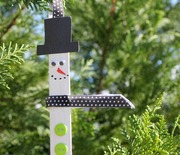 Thumb_snowman-popscicle-stick-ornamnet-craft-for-kids
