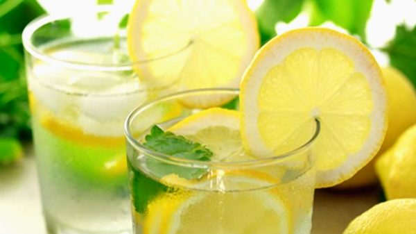 Drink-lemon-water-to-solve-these-15-health-problems-600x337