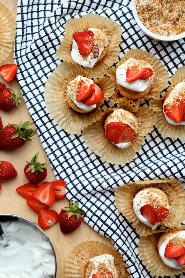 Gluten-free-dairy-free-angel-food-cupcakes-with-strawberries-and-coconut-cream-9-e1433273475270