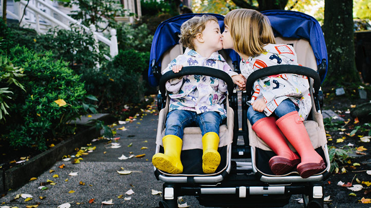 Should-you-buy-a-double-stroller-for-your-second-baby-722x406