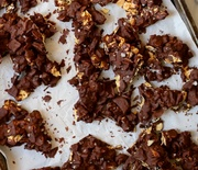 Thumb_chocolate-almond-ginger-bark-3-e1448842403347