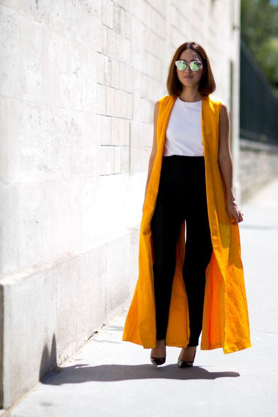 Maxi-vest-outfit-in-bright-yellow