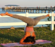 Thumb_5-tips-to-keep-you-motivated-to-workout-exercise-yoga-headstand-splits-beauty-and-the-beat-blog