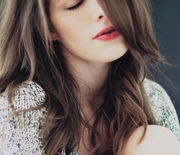 Thumb_landscape-1426615736-woman-long-hair-tips