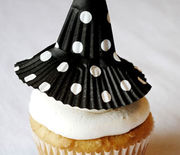 Thumb_gallery-1470931206-54eebceda8204-sev-cupcake-witch-hat-half-baked-blog-lgn