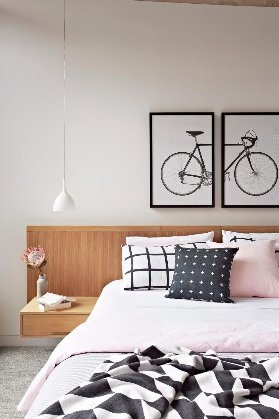 Four ways to decorate a blank wall for Four blank walls