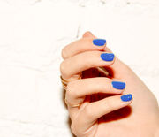 Thumb_slider_1_-_top_5__the_best_blue_nail_polishes