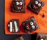 Thumb_how_to_decorate_scaredy-cat_brownies_vert