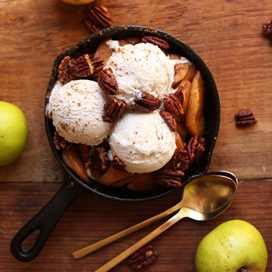 Apple-pie-sundaes-square