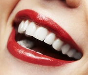Thumb_close-up-smile-red-lipstick