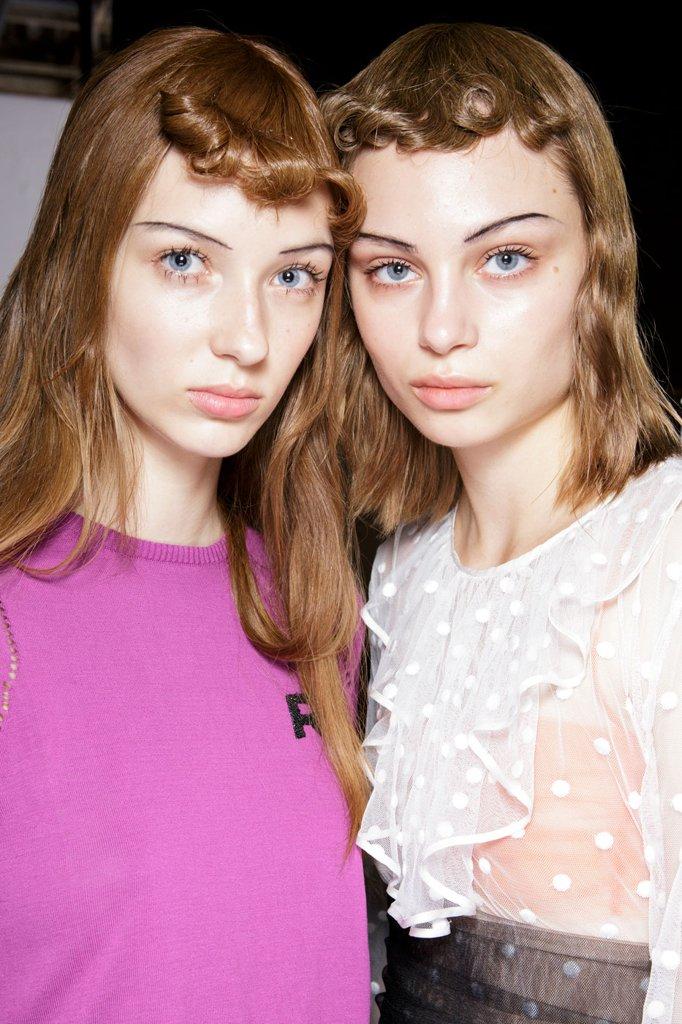 Hair-makeup-springsummer-2017-paris-fashion-week